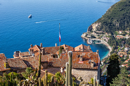 Medieval Eze village houses on mountain top at Mediterranean Sea in France, French Riviera, Provence-Alpes-Cote d'Azur region. 版權商用圖片