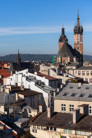 City of Krakow from above in Poland, Old Town cityscape with Saint Mary Basilica at far end. 免版税图像