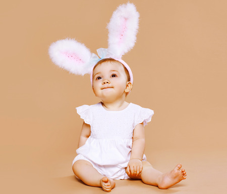 Sweet cute baby in costume easter bunny Stok Fotoğraf - 31048917