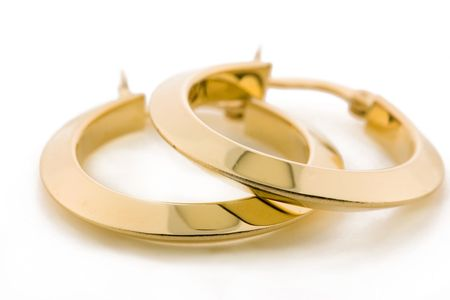 Paar goldene Ohrringe Standard-Bild - 539663