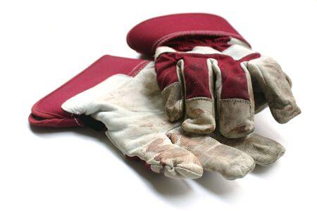 werk: Gebruikt tuinieren  werk handschoenen - Geïsoleerde beeld op witte