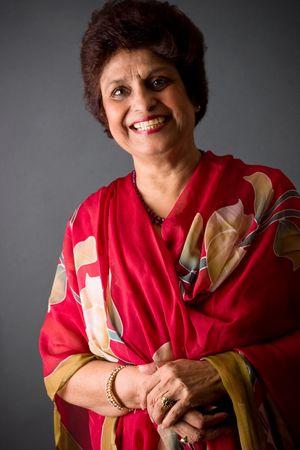 Portrait of an East Indian woman wearing traditional Indian dress Foto de archivo