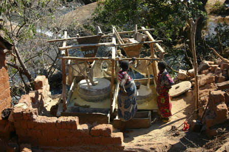 molino de agua: Molino de agua en Angola