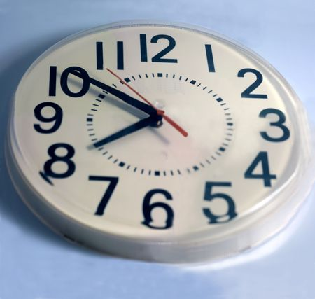 clock withthe time of 10 to 8