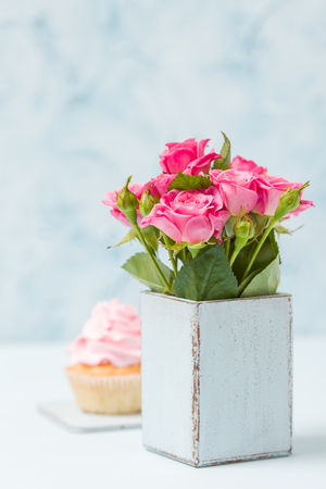 Bouquet Of Roses In Retro Shabby Chic Vase And Cupcake With Pink