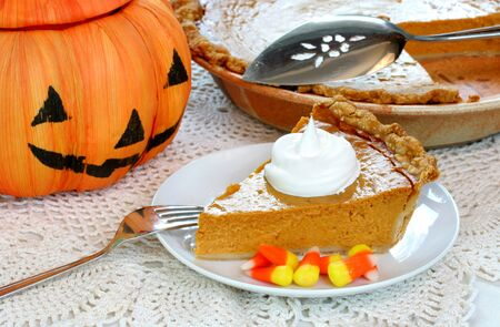 Pumpkin Pie with Straw Pumpkin, Festive Image Stock Photo - 3447801