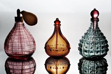Container voor parfum met bezinning Stockfoto