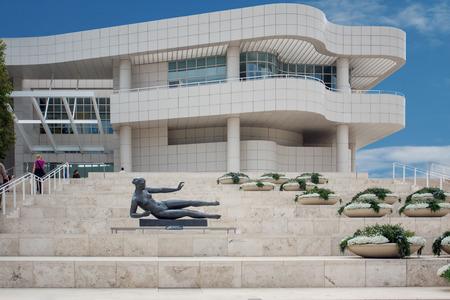 LOS ANGELES, Verenigde Staten - 4 juni 2009: Het museum Getty Center in Los Angeles California USA is ontworpen door architect Richard Meier in 1997