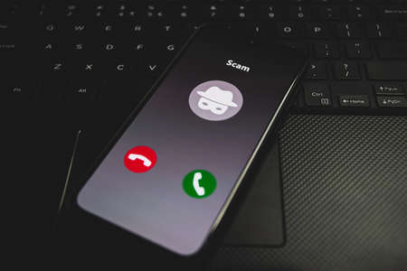 Incoming call from Scammer. Online scam on phone