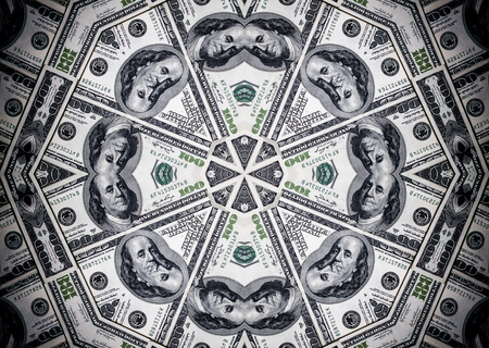 dinero falso: Background from a variety of hundred-dollar bills. Money money. Dollars background. Counterfeit money. Kaleidoscope.