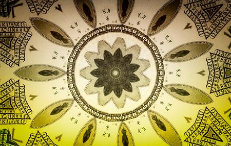 dinero falso: Background from a variety of hundred-dollar bills. Money money. Dollars background. Counterfeit money. Kaleidoscope
