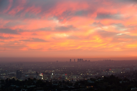 griffith: Aerial view of Los Angeles and Santa Monica at dusk from Griffith Observatory