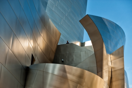 Los Angeles, CA, USA - September 23, 2012: Detail of Walt Disney Concert Hall in downtown Los Angeles. The world famous concert hall designed by Frank Gehry is the home of Los Angeles Philharmonics. Редакционное
