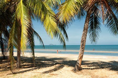 hin hua: Hua Hin, Thailand � January 22, 2013  Tourists enjoy the beach  at Dolphin Bay south of Hua Hin  Hua Hin is a major tourist destination in Thailand