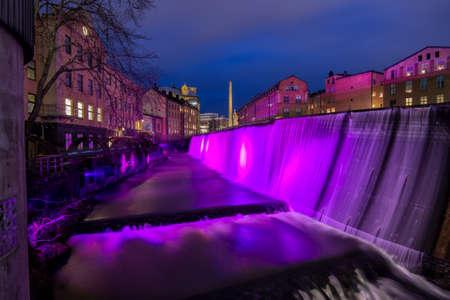industrial landscape: La cascata nel famoso paesaggio industriale a Norrk�ping in Svezia il New Years Eve