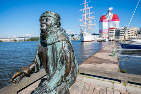 gothenburg: Gothenburg, Sweden - September 4, 2014: The statue of poet Evert Taube by Eino Hanski.  Gothenburg is the second largest city in Sweden and an important harbor.