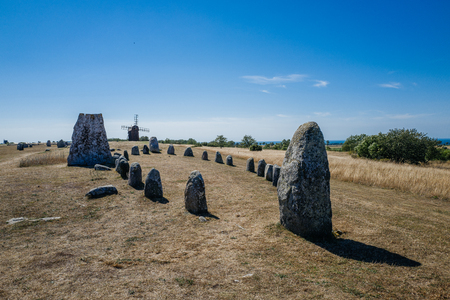 oland: Gettlinge grave field with its famous stone ship on Swedish Baltic Sea island Oland dates back to the Nordic bronze age Stock Photo