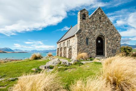 Kerk van de Goede Herder, Lake Tekapo, Nieuw-Zeeland is een populaire bruiloft kerk Stockfoto