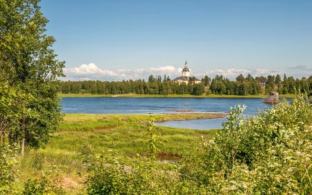 Torne rivier - de grens tussen Zweden en Finland bekeken van Haparanda Stockfoto