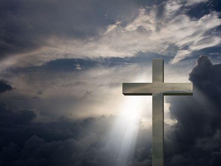 cruz religiosa: Cruz y cielo de Mettalic Foto de archivo