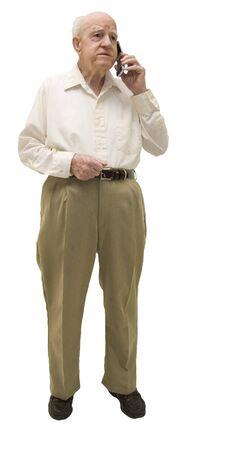 Senior op mobiele telefoon geïsoleerd op wit Stockfoto