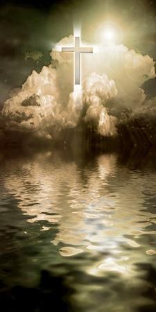 espiritu santo: Cruz en el cielo irradia luz