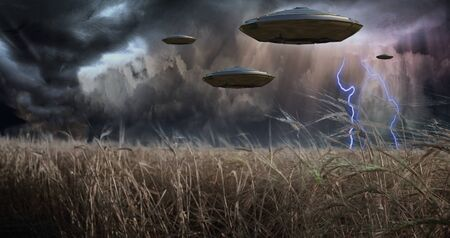 military invasion: Aliens Invade