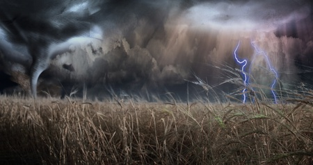 twister: Threating Sky over field