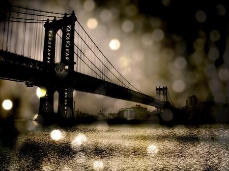 buildings on water: Ciudad de Nueva York Puente Foto de archivo
