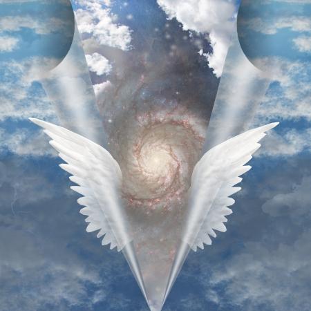 espiritu santo: Alas del �ngel separar la costura de los mortales para revelar el funcionamiento Foto de archivo