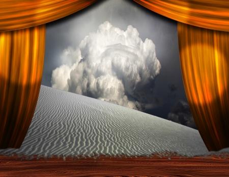 to creep: Desert Sands creep into theater scene