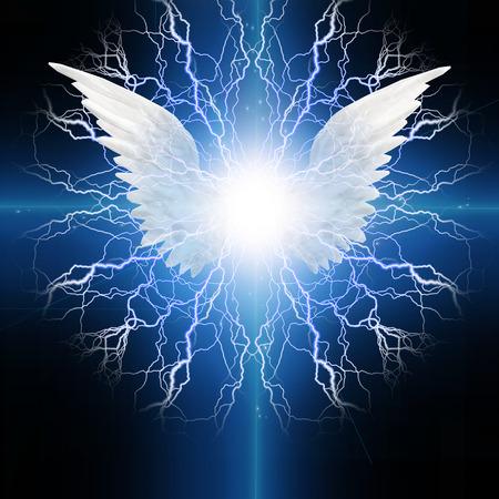 Engel geflügelte Standard-Bild - 28058412
