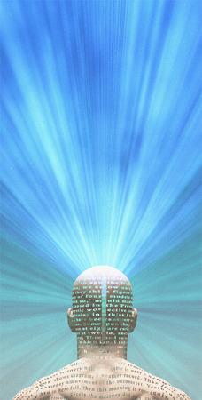 paz interior: El hombre irradia luz desde el texto en su piel El texto es de HG Wells La máquina del tiempo y ha sido iin de dominio público desde hace muchas décadas, no relaese necesario Foto de archivo