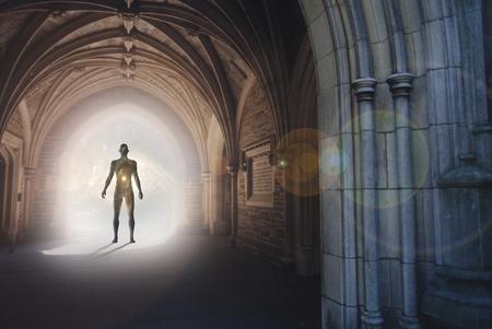 Silhouette humaine avec l & # 39 ; univers est debout dans l & # 39 ; intérieur gothique avec lumière éclairée le réglage du téléviseur Banque d'images - 98230068