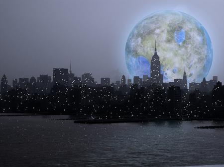 Surreale futuristische Komposition. Terraformierter Mond über Manhattan. Standard-Bild