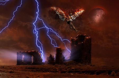 Arte digital surrealista. Un rayo cae sobre las espeluznantes ruinas del templo. El hombre con alas ardientes simboliza el ángel caído. Foto de archivo