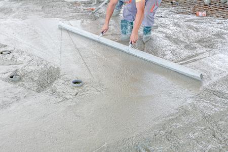 Sehr Betonieren Und Glätten Von Beton Mit Einem Schwimmer Auf Einem JW82