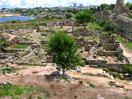 founded: The remains of the ancient city of Chersonesus, 528 years. BCE. Oe. Founded by the ancient Greeks to Heracleian peninsula on the southwest coast of the Crimea.