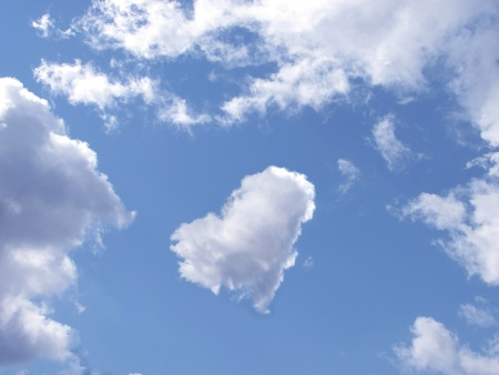 cloud in the form of the heart in the sky photo