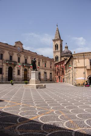 Statue of Ovid, Piazza XX Settembre, Sulmona, Abruzzo