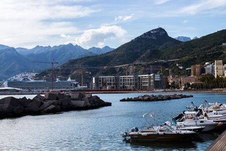 View of the port of Salerno in Campania Imagens