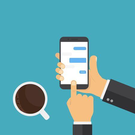 Main tenant un téléphone intelligent. Téléphone portable à café, excellent design pour tous les usages. Concept de messages de discussion.