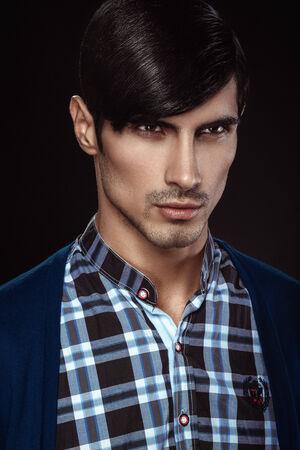 belleza masculina: Hermoso retrato de la belleza masculina
