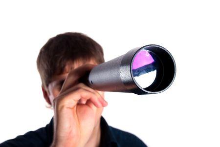 t�lescopes: homme regardant un t�lescope isol� sur fond blanc