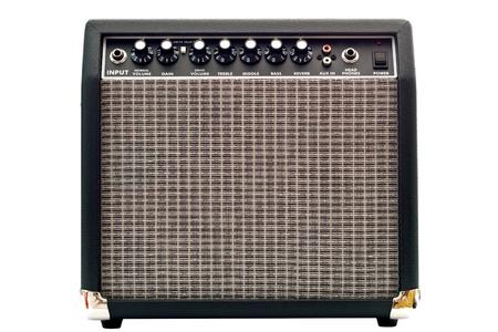 superdirecta: amplificador de guitarra aislado en fondo blanco
