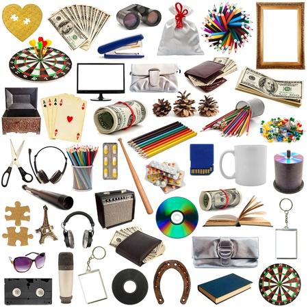 insieme di oggetti isolati su sfondo bianco