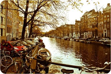 運河, ボートやアーキテクチャ美しいアムステルダムの写真 写真素材