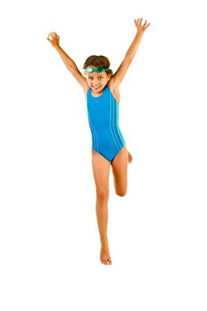 personas banandose: salto de la niña en traje de baño aislado en blanco