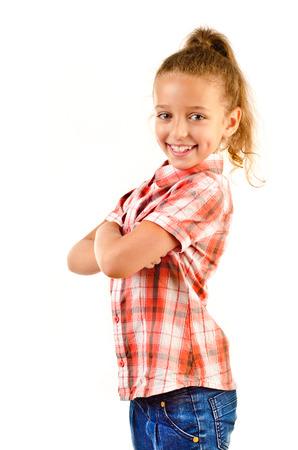 jolie petite fille: petite fille isol?e sur un fond blanc