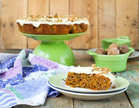 tort: carrot cake with walnuts and cream Stock Photo